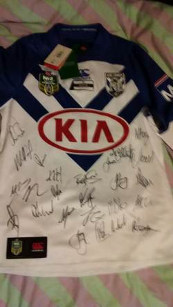 Bulldogs 2018 signed jersey